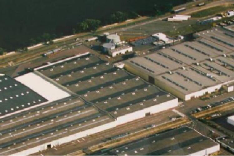 A céder : 43 500 m² de bâtiments sur un terrain de 10 hectares