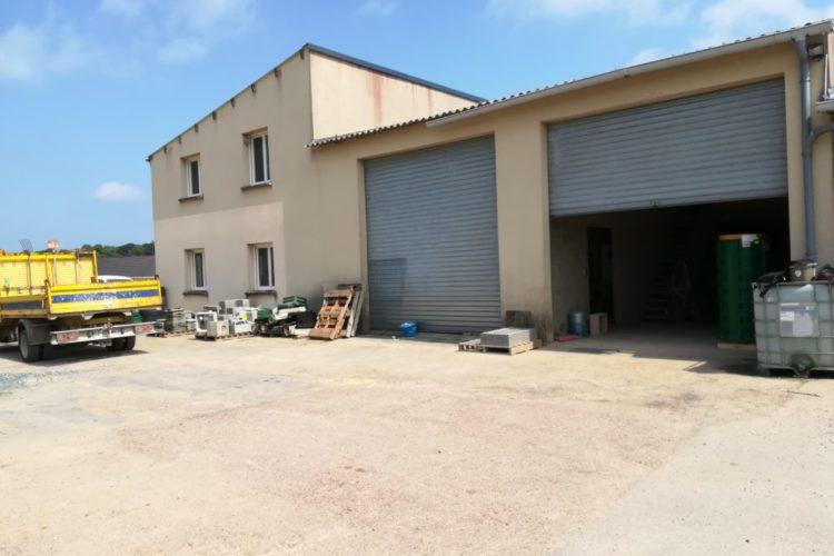 entrepôt sur l'axe Cherbourg Flamanville