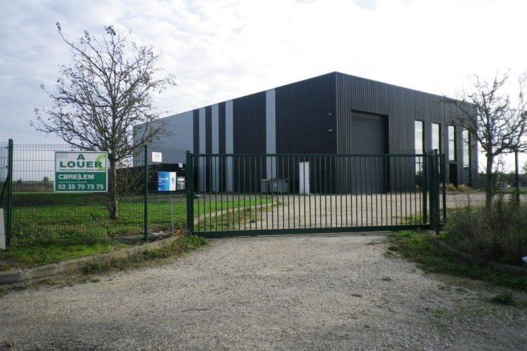 Location Local d'activité DOUAINS